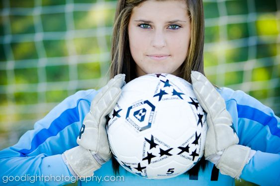 Senior picture: Soccer idea....MOM THIS IS FOR YOU @Teresa Selberg Tullos Prinzo