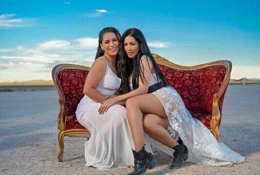 Pin De Daiane Arantes Em Simone Simaria Las Vegas Cantores