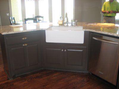 Corner Farmers Sink : farmhouse sink in the corner - I like this idea! dream kitchen ...