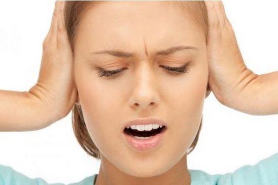 tengo un zumbido en el oido izquierdo