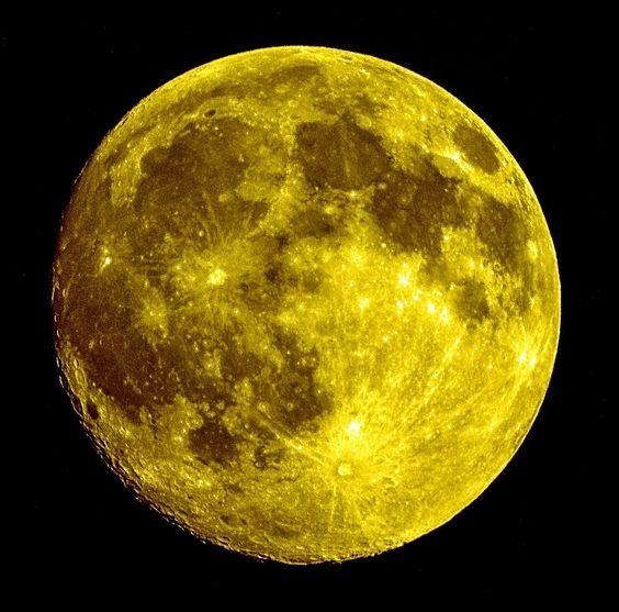 Luna Llena en amarillo...