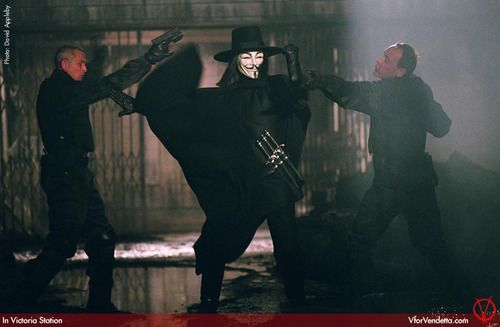 V For Vendetta Photo Hugo Weaving As V V For Vendetta Movie V For Vendetta Vendetta