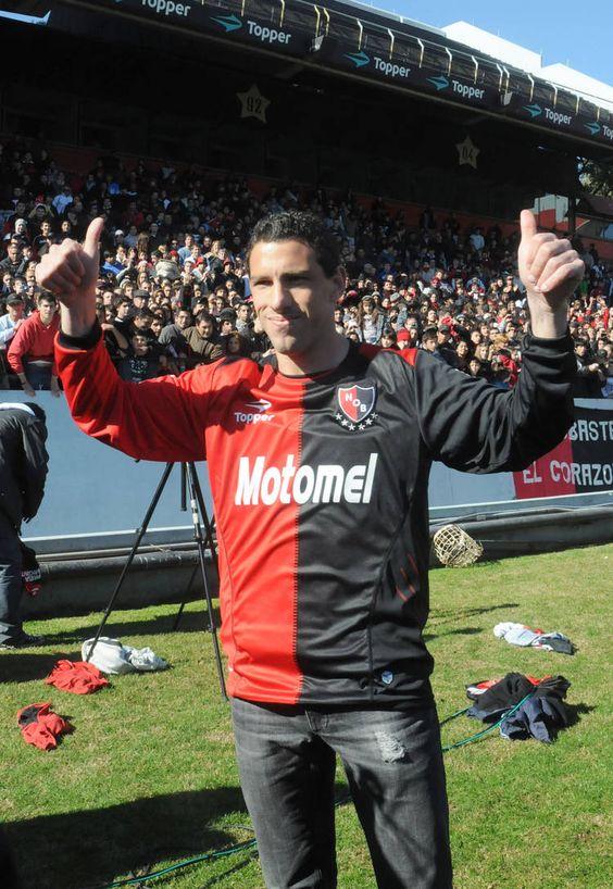 FÚTBOL. 2012. Maxi Rodríguez, figura de #Newells.