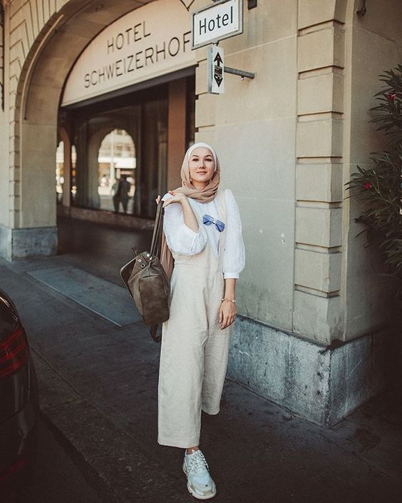 Hijab Outfit Trend You Need To Try In Early 2020 Gaya Model Pakaian Gaya Hijab Model Pakaian