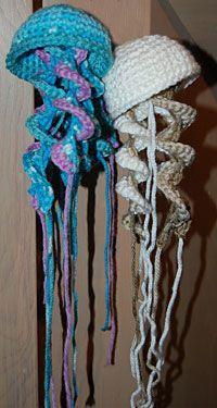 ☆ Crochet Jellyfish/ Qualle häkeln - für dünne Tentakeln reichen auch zwei Reihen :) - Runde 4