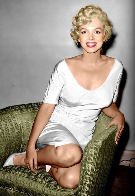 8/08/1958 Marilyn au téléphone - Divine Marilyn Monroe