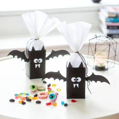 Halloween Basteln Teenager.Vampir Schachteln Aus Tetrapacks Basteln Halloween Basteln Ideen Halloween Basteln Mit Kindern Basteln