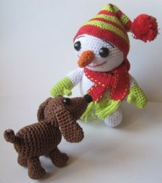 The little snowman | Ami loves Gurumi - Free pattern. There's also a little bird. Very cute