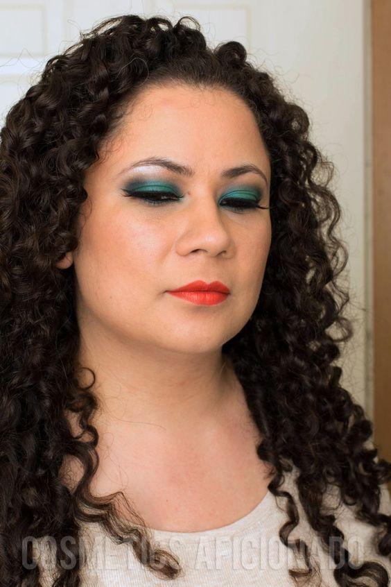 via @CosmeticsAficionado #smokyeye #smokyeyefriday #smokeyeye #smokeyeyefriday #makeup #beauty