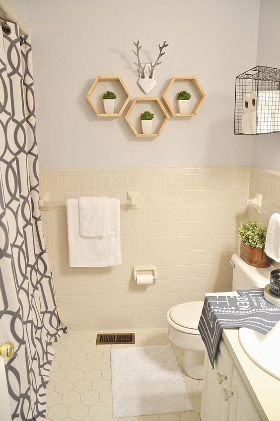 Bathroom Makeover - ON A SERIOUS BUDGET!