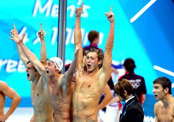 Clément Lefert, Fabien Gilot, Amaury Leveaux et Yannick Agnel sont champions olympiques du relais 4x100m.