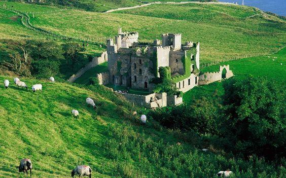 Clifden Castle / Galway, Ireland
