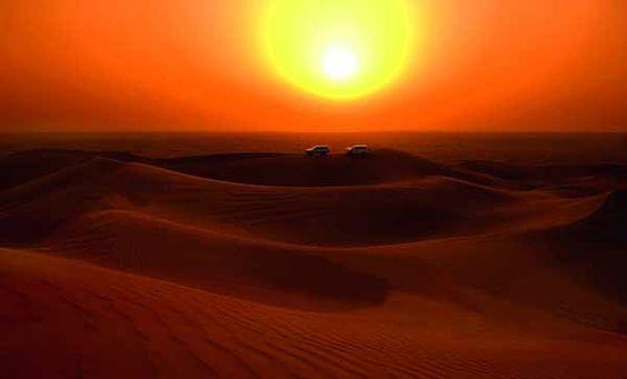 Dubai: Mit Jeep durch die Wüste. http://www.travelbusiness.at/reisetipps/alltours-erst-shopping-in-dubai-dann-trecking-im-dschungel/0013135/#more-13135