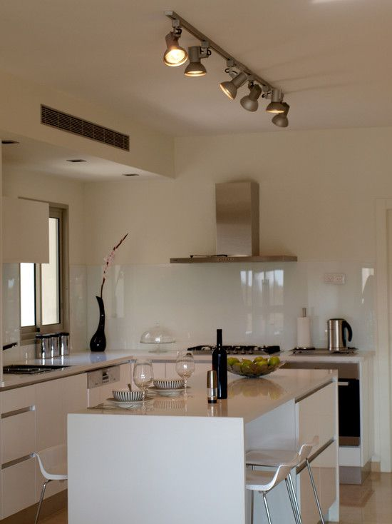 Solid glass backsplash use starfire to reduce green cast for Solid glass backsplash behind stove