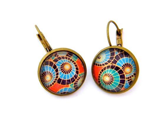 Boucles d'oreilles dormeuses, métal bronze, cabochons verre 16 mm, multicolore : Boucles d'oreille par francesca