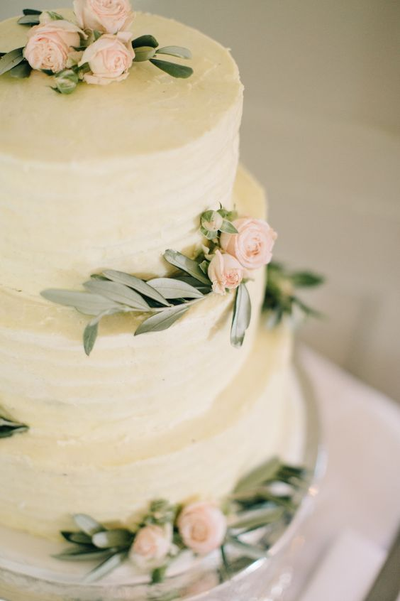 Garden Wedding Cake from HotRef.com