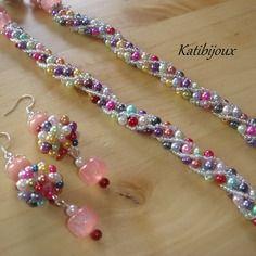 Parure collier & boucles d'oreilles perles nacrées