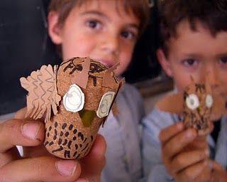 http://manualescanigo.blogspot.com/  Corks, I need to colect corks, asap.  So darn cute!