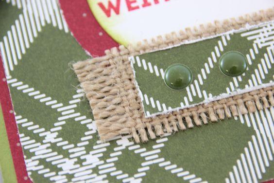 Festliche Karten aus dem Designerpapier Fröhliche Feiertage von Stampin' Up! lassen sich hervorragend mit den Süßen Pünktchen in der passenden Farbe verzieren. #Weihnachten #Stampinup #Geschenkidee #DIY #Karte