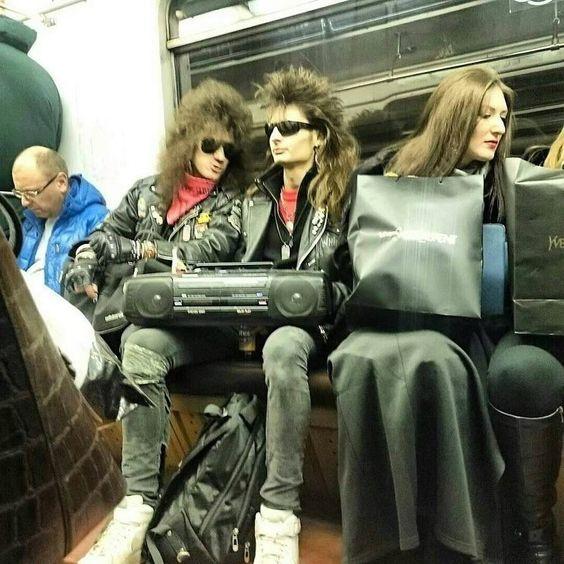 30 Απίστευτα σκηνικά από το μετρό που θα πεθάνεις στα γέλια (Μέρος 2ο)