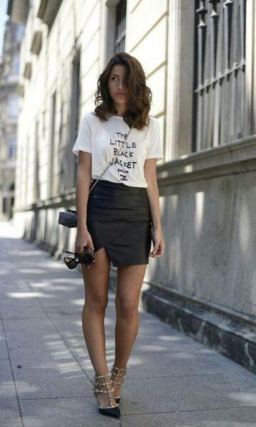 Camiseta e saia preta