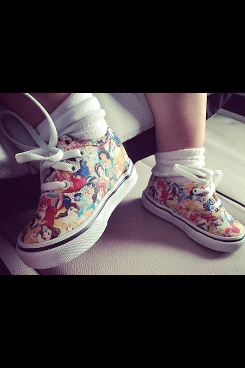 Imagen de baby shoes, disney, and disney princesses