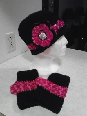 Black & Pink Crochet Flowered Hat & Fingerless Gloves