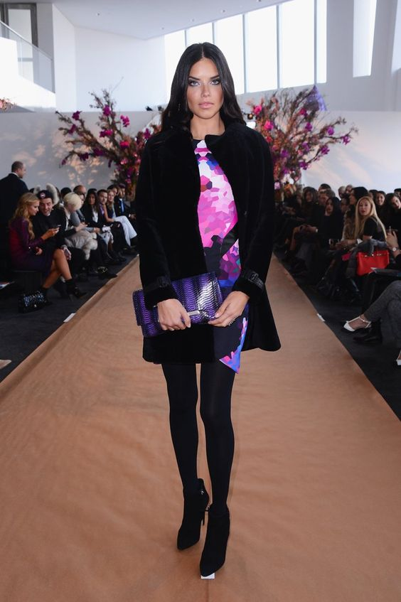 Pin for Later: Les Stars Sont au premier Rang Pour la Fashion Week de New York Adriana Lima Au défilé Gabriela Cadena.