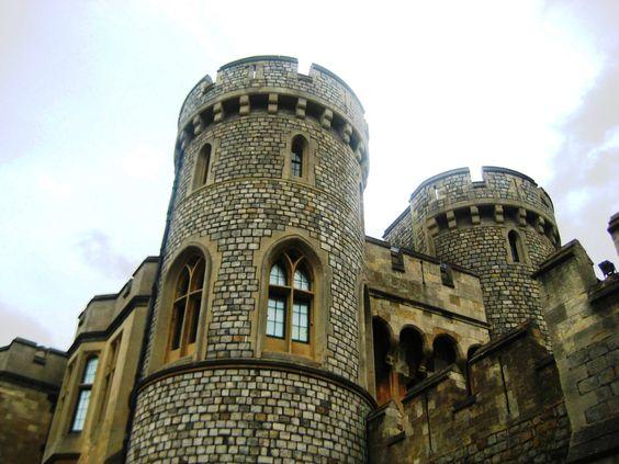 Il magico Windsor Castle. Sede di una delle residenze reali della monarchia britannica, è il più grande castello abitato del mondo. Windsor, nel Berkshire. England.