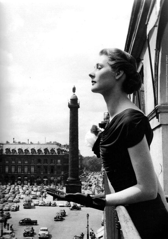 Place Vendôme Paris circa 1940 Robert Doisneau