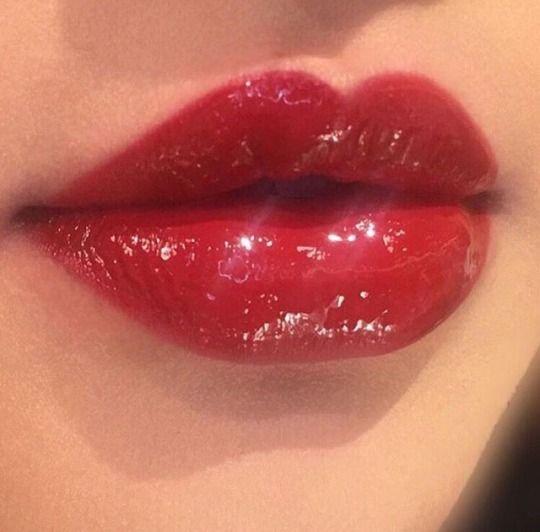 Red Lip Gloss Glossy Lips Christmas Makeup Ideas Idea Inspo