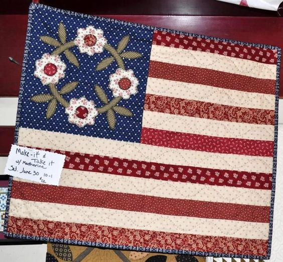 Happy 4th of July everyone! Fat Quarters Quilt Shop will be closed today... I plan to spend the day sewing :) I hope you enjoy your Independence Day too!