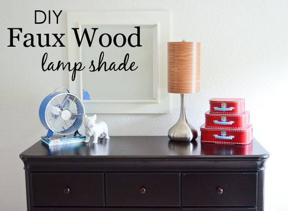 DIY Faux Wood Lamp Shade - quick & easy update to any old lamp around the house! #DIY