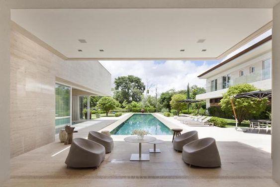 Em Curitiba, um luxo paradisíaco Casa une lazer à natureza estonteante