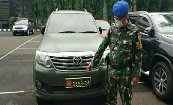 Gunakan Mobil Dinas Tni Ad Ahon Diperiksa Polisi Militer Mobil Militer Angkatan Darat