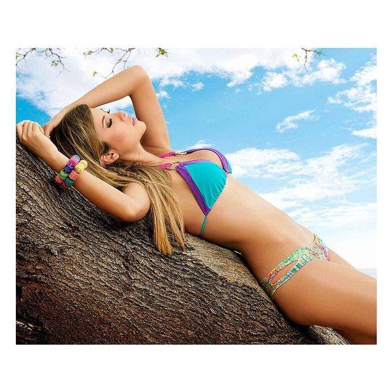 Puedes encontrar este #bikini y otros de nuestra colección Fairyland en el link de nuestra Bio!  #AkualiSwimwear #BeachLife #BikiniLife #ColombianSwimwear #VamosALaPlaya #AkualiLifeStyle #OwnTheBeach  Visita nuestro sitio  www.akuali.com