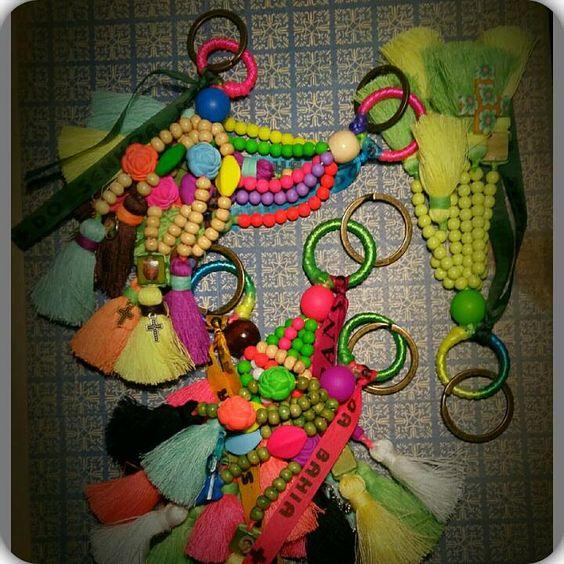 Porta chaves pequenos Terço multicolor.   Executado por Guigas Reis