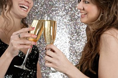 Don't stress about planning a New Year's Eve bash! Here are some tips to help