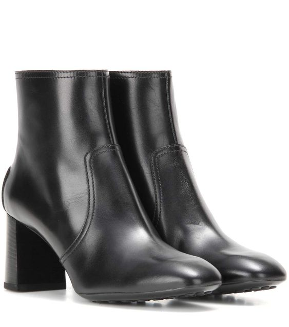 TOD'S Leather Ankle Boots. #tods #shoes #boots