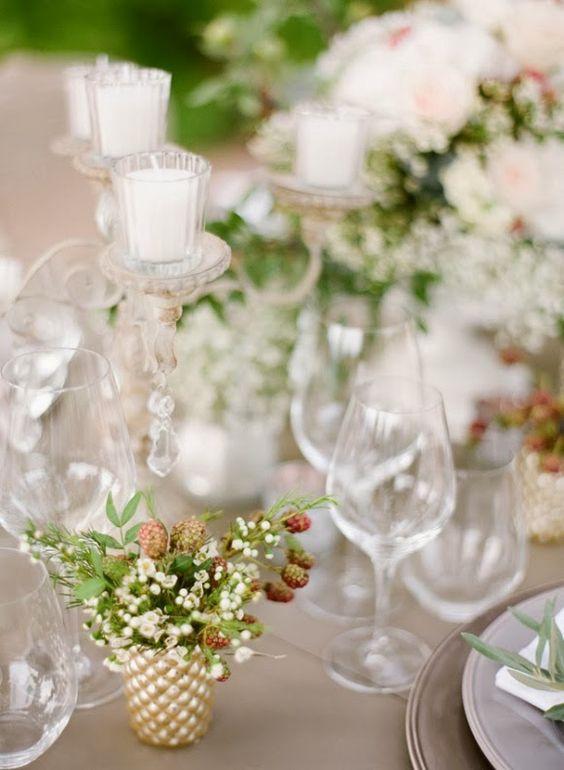 convite de boda al aire libre con decoración provenzal