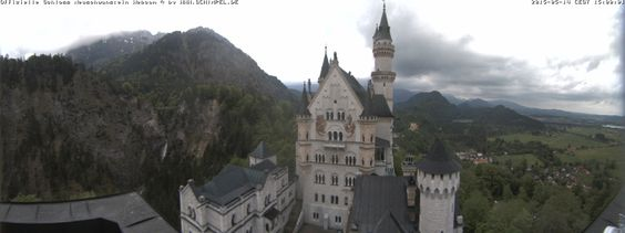 Panorama Webcam vomSchloss Neuschwanstein imAllgäu - 180°Panoramablick vom Rechteckturm auf denPalas vom Schloss Neuschwanstein