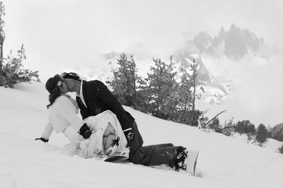 Have you seen the cool new slide show on Real Weddings Magazine?'s YouTube  channel for Mammoth Mountain? Ski Area? It's awesome! Follow this link to  check it out:  http://www.realweddingsmag.com/sacramento-wedding-venue-featured-partner-mammoth-mountain-ski-area/