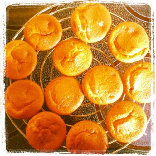 Muffins au coeur de nutella : http://mumfi51.wordpress.com/2012/09/15/muffins-au-coeur-de-nutella/