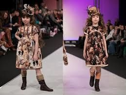 look at these little divas, love it!!