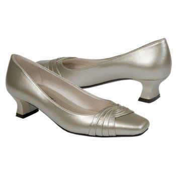 Easy Street Tidal Shoes (Champagne) - Women's Shoes - 8.0 2A
