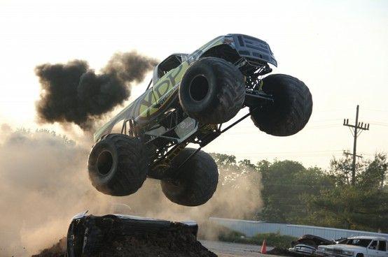 Amazing Diesel Monster Truck
