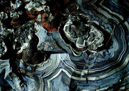 Pyrolusite, MnO2