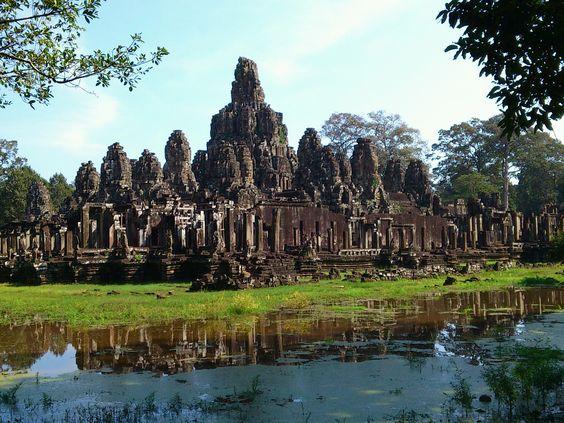 Angkor Wat, Phnom Penh http://mytravelfootstep.blogspot.com/