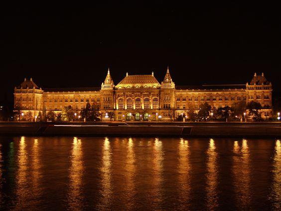 Tomorrow :) drawing exam at here. <3 Love!!!!! Budapesti Műszaki Egyetem!