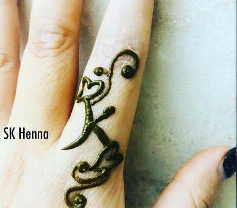 Pin By Ramireddy Lakshmi On Letters Dpzz Henna Tattoo Designs Mehndi Design Images Mehndi Designs